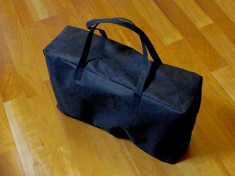 コンパクトチャイルドシートを鞄に入れた状態